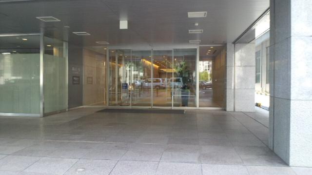 興銀ビル入口